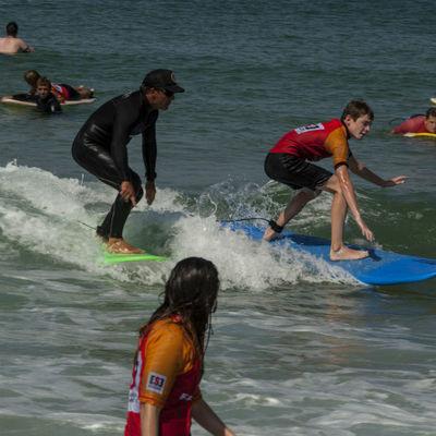 Stage de surf pour niveau débutant à Seignosse